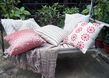 outdoor_pillows_cushions